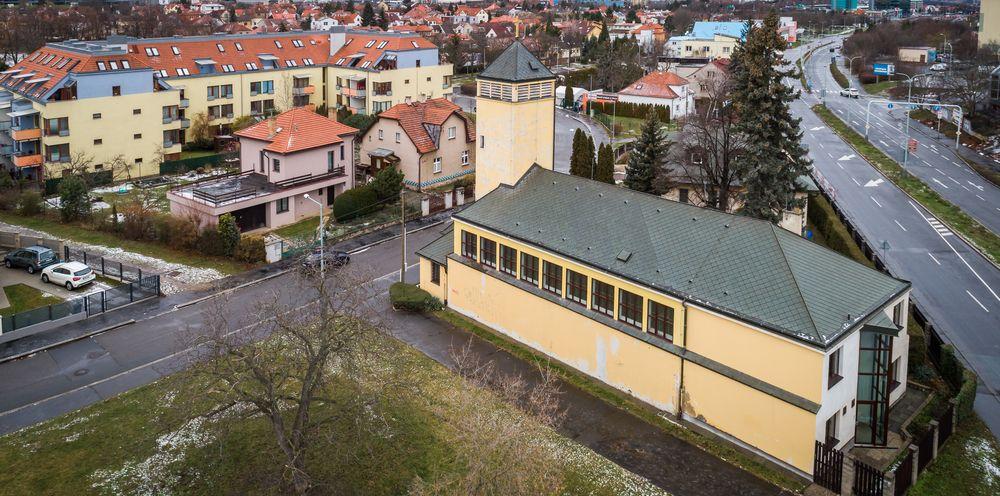 František-zima. František-zima. KCMT z dronu. KCMT z dronu. Komunitní  centrum Matky Terezy 4753449c40